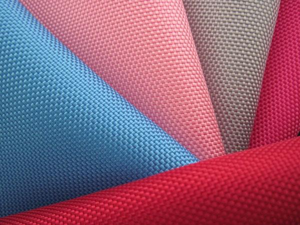 nhuộm màu polyester