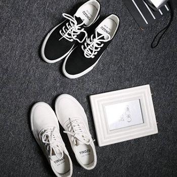 chọn giày thể thao màu trung tính