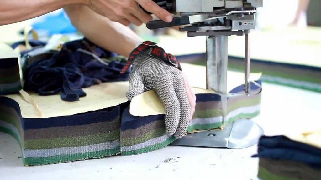 Xưởng cắt vải gia công